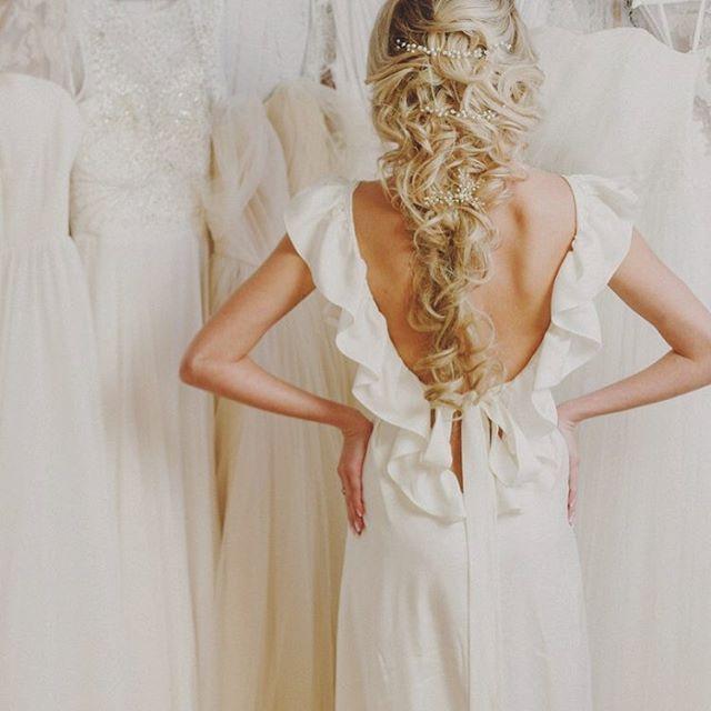Красивая свадьба в оригинальном платье от мирового дизайнера Виктории Спириной. http://WWW.VICTORIASPIRINA.COM Вы будете настоящеё принцессой! http://victoriaspirina.com Богатое, лёгкое, комфортное платье из натурального шёлка. свадебное платье айвори, свадебные платья из шифона, корсетные свадебные платья, закрытые свадебные платья, розовое свадебное платье, молочное свадебное платье, эксклюзивные свадебные платья