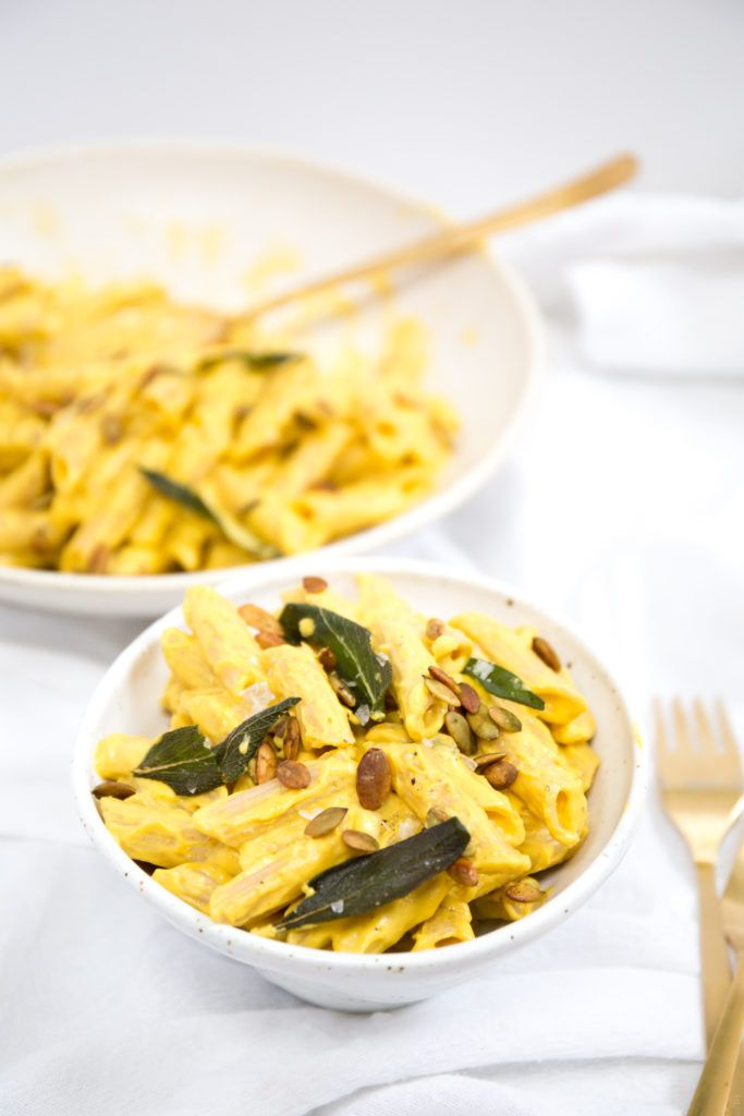 Vegan Pumpkin Alfredo Pasta with Roasted Garlic, Crispy Sage & Crunchy ...