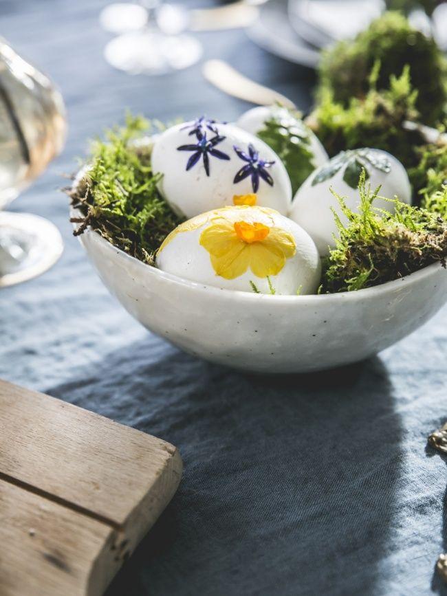 Ostereier beklebt mit Blumen und Pflanzen Pflanzenfreude.de