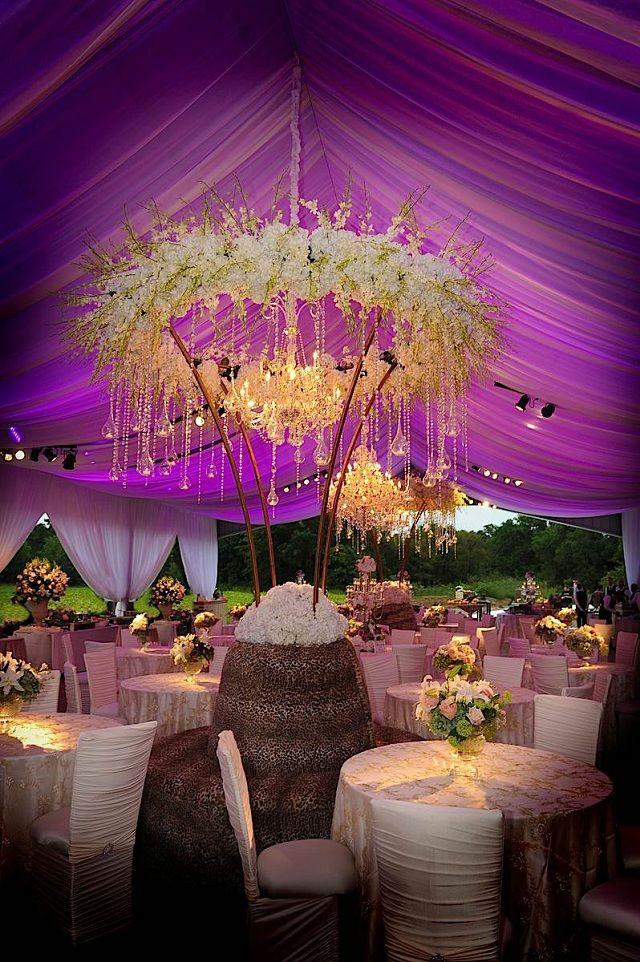 No crystals no greens but ring of florals around chandelier?... Hmmm