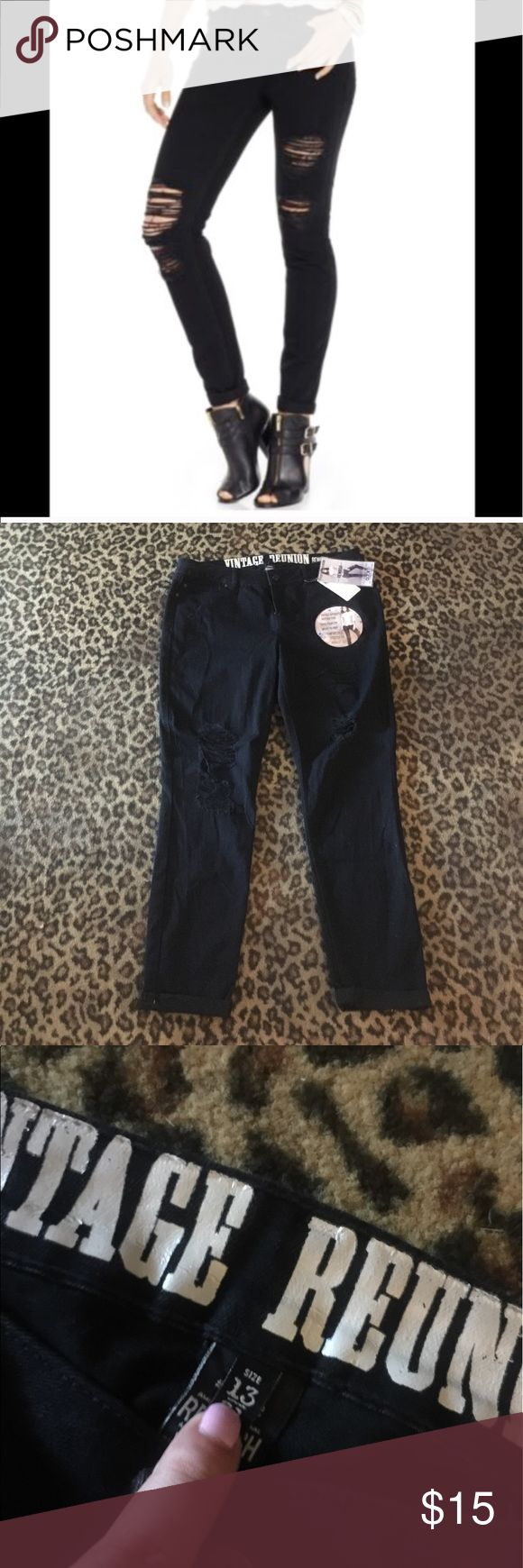 💥KILLER!💥 comfy distressed black stretch jeans! These jeans are great, just too big! I thought I was buying a juniors 13 but they actually fit like a very stretchy 15/16. They are distressed on both legs, and have a cute rolled cuff. Brand spanking New! NOT H&M only tagged for exposure. Thanks for checking out my closet BB's and happy poshing! 💜🔮💜 Jeans Skinny