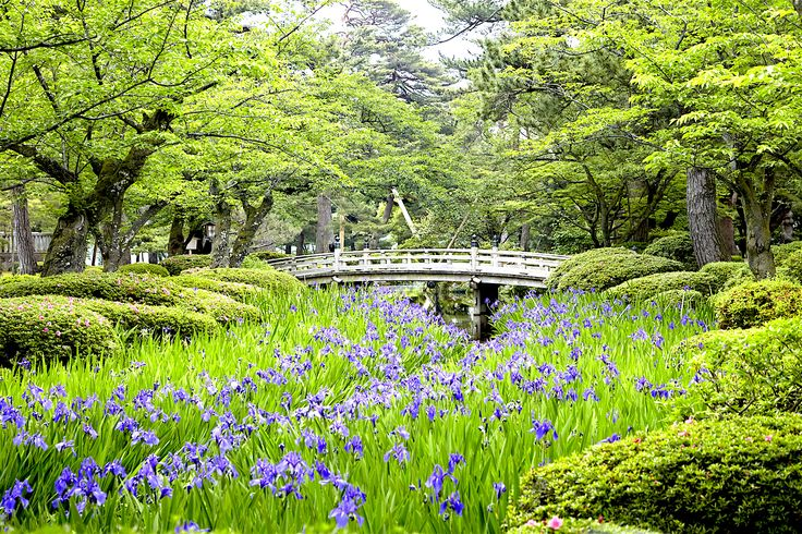 KENROKUEN GARDEN Located in the city of Kanazawa, Ishikawa Prefecture, this beautiful park contains one of the top three most celebrated gardens in Japan. With the new Hokuriku Shinkansen bullet train, it has never been easier to visit this stunning garden where tradition thrives!