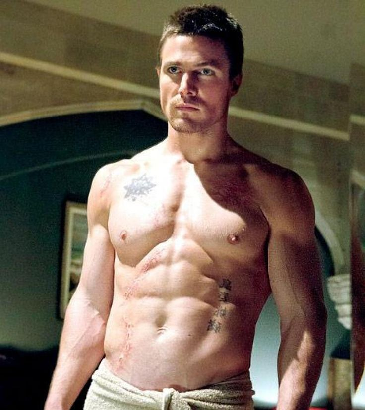 stephen amell - Oliver Queen -- Arrow