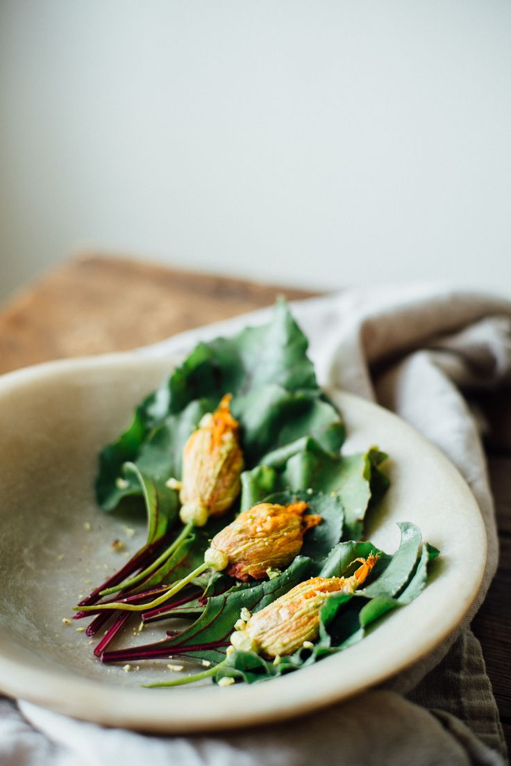 25+ best ideas about Stuffed Squash Blossoms on Pinterest ...