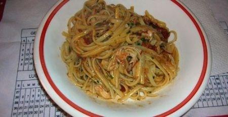 Ricetta pasta: bavette  con il sugo di pesce
