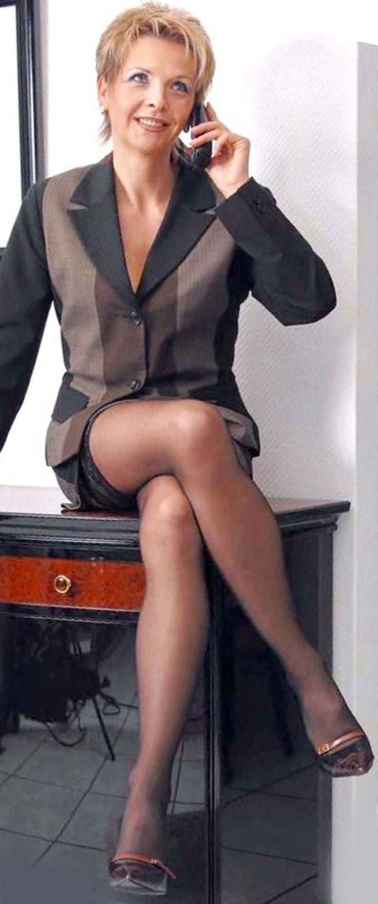 Büro Sex für tätowierte blonde Sekretärin Fit XXX Sandy