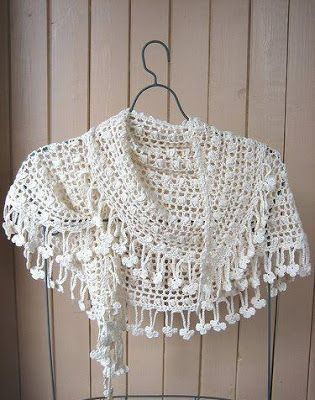 Beautiful Lacy Crochet Shawl: #crochet/diagram
