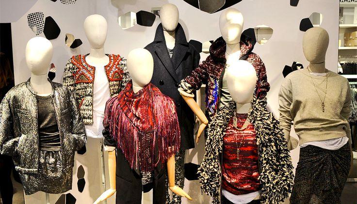 Каждый год шведский бренд H&M создает совместные коллекции с именитыми дизайнерами, на этот раз приглашенным дизайнером стала Изабель Маран, королева бохо-шика и стиля фолк.
