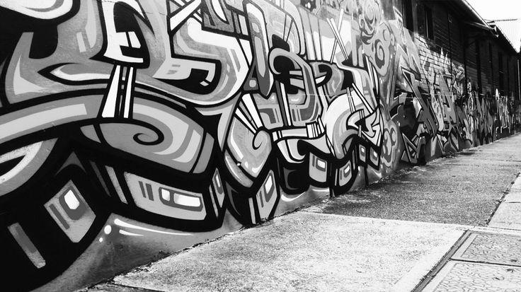 Graffiti street art // black & white