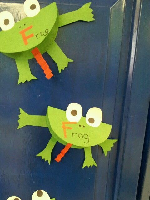 letter F craft-frog. -Repinned by Totetude.com --- great idea for a child's quilt using bug fabric inside the mouth!  :-)