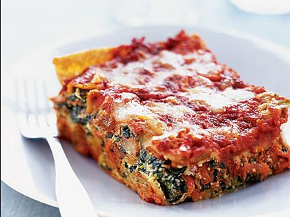 Italian Sausage and Spinach Lasagna | Feed your family this fantastic italian sausage and spinach lasagna dish for an easy weeknight meal.