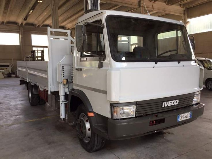 Camion Con Gru idraulica Pesci Iveco 109
