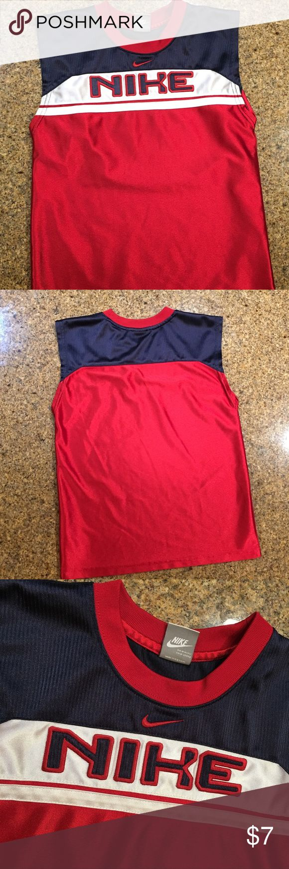 Boys Nike tank top Boys Nike tank top used but in great condition Nike Shirts & Tops Tank Tops