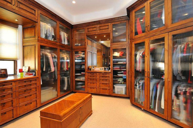 35 Beautiful Walk in Closet Designs | Small storage bench ...