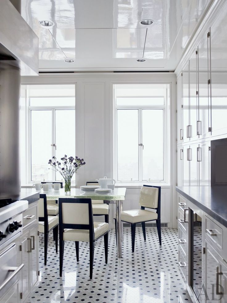 A black-and-white kitchen by Delphine Krakoff's Pamplemousse Design: New York Cities, Pamplemouss Design, Contemporary Kitchens, Delphin Krakoff, Black And White, Interiors Design, Architecture Digest, Black Accent, White Kitchens