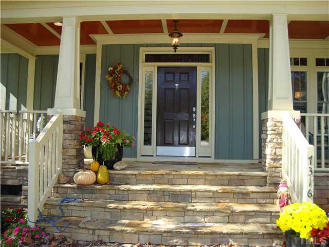 Love homes with beautiful front porches: Stones Step, Beautiful Front, Dreams House, Real Kitchens Sitting, Front Yards, Front Doors, Curb Appeal, Kitchens Sitting Area, Front Porches