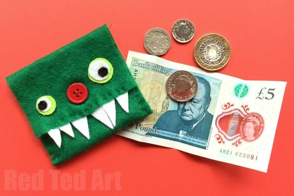Such a cute and easy Kids Monster Purse DIY. Learn how to sew a purse with this easy, quirky and fun tutorial. Can easily be adapted for any design.