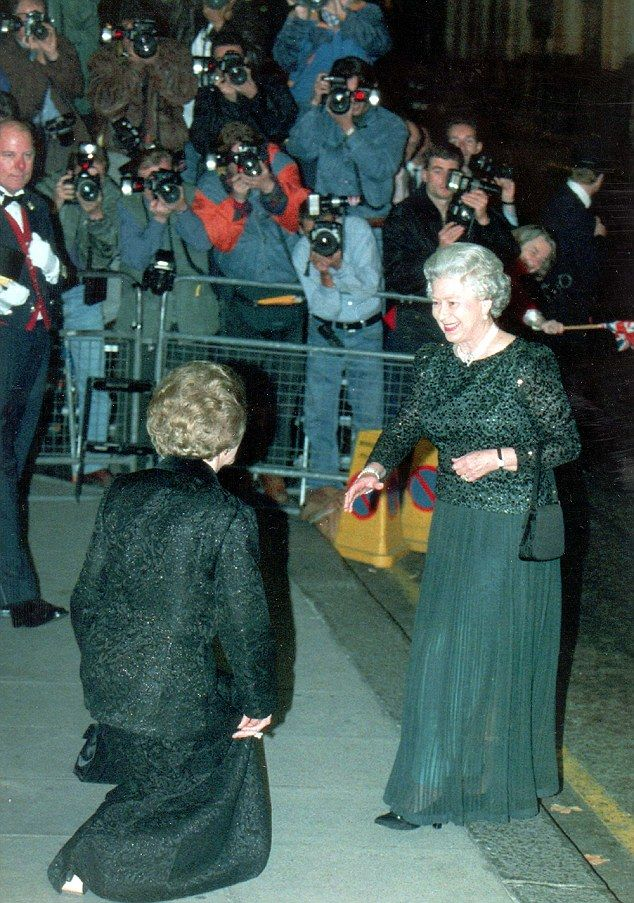 Queen did impressions of Margaret Thatcher | Royal Curtsey ...