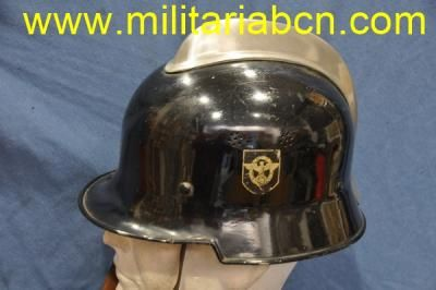 Alemania III Reich. Casco de bomberos alemanes de la 2ª Guerra Mundial. Calcomanías no originales.