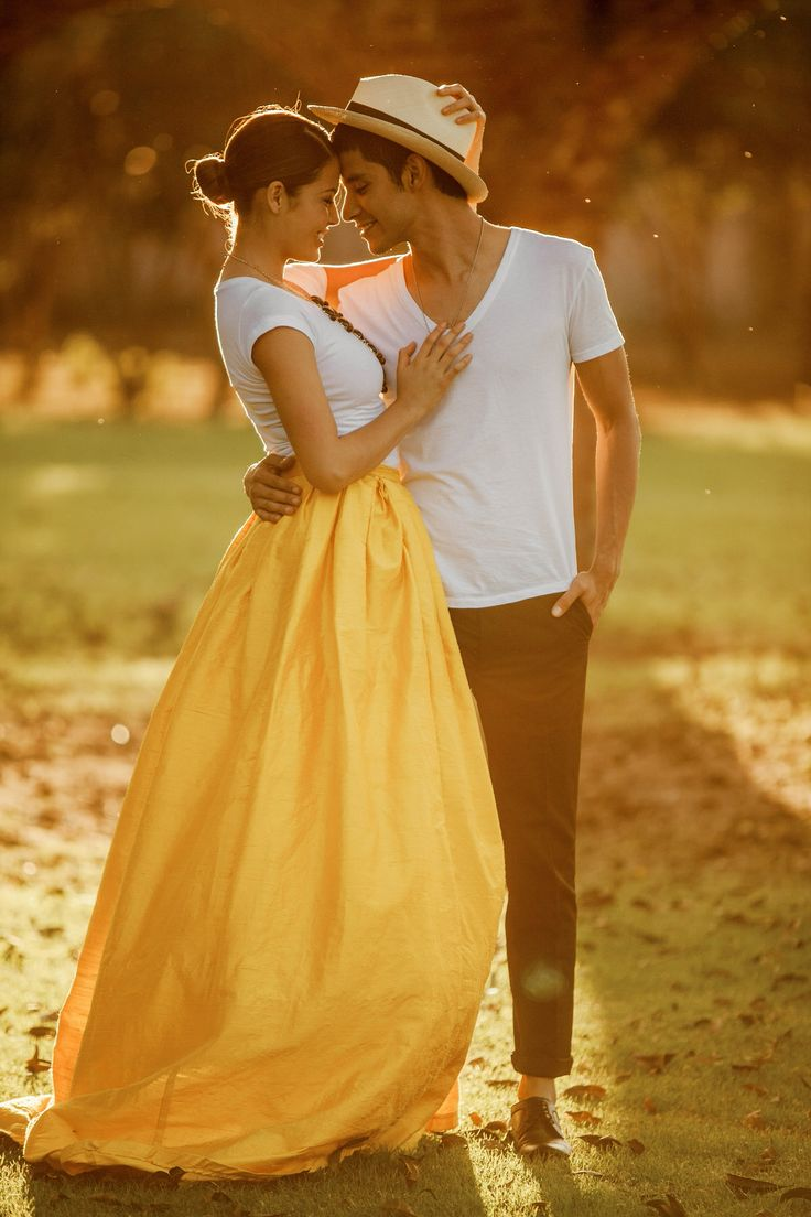 Beautiful engagement shoot outfit idea - Jose Villa – Mexico – Engagement Portrait