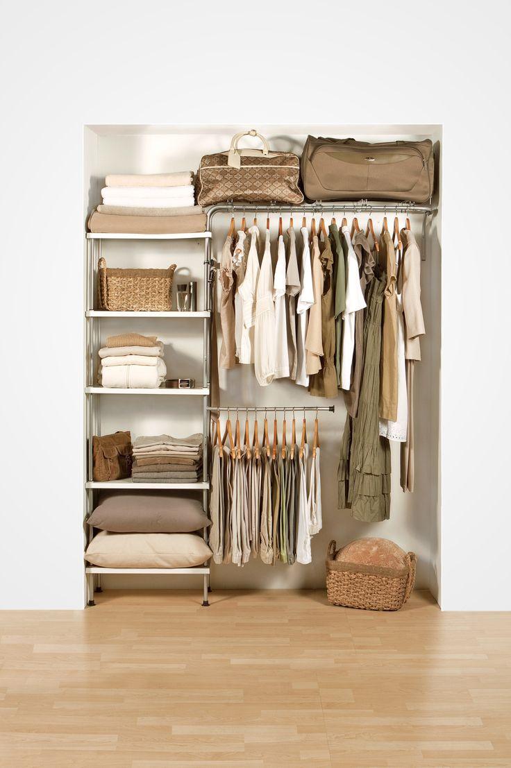 【DIYで作り込み】種類ごとに分かれた必要十分なサイズの収納スペースのあるクローゼット