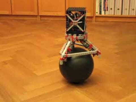 Fischertechnik Robot Balancing on a Ball
