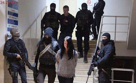 Soudný den pro Čechy zadržené v Turecku: Vyslechnou si verdikt