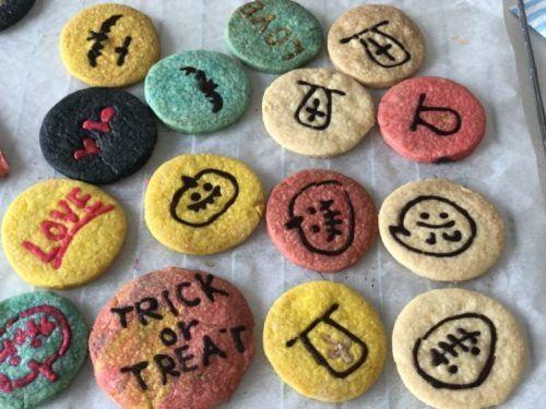 簡単可愛い チョコペン転写クッキーの作り方 キャラクタークッキーやバレンタインのプレゼントに 雪見日和 キャラクター クッキー 可愛い チョコ クッキー