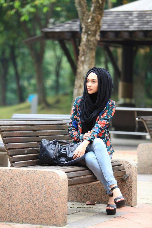 street-hijab-fashion:  Indah Nada Puspita