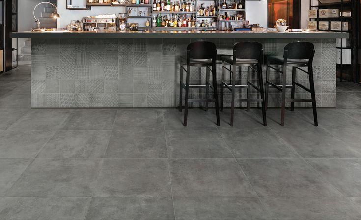 Geweldige betonlook vloer. De donkeren vloeren bevestigen dat gevoel! verkrijgbaar in deze maten: 30x60, 60x60, 90x90 en 60x120 (48-MT-08) Tegelhuys