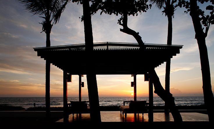 Villa Jenna at Natai   Phuket - Sonnenuntergang vom Beachside Sala