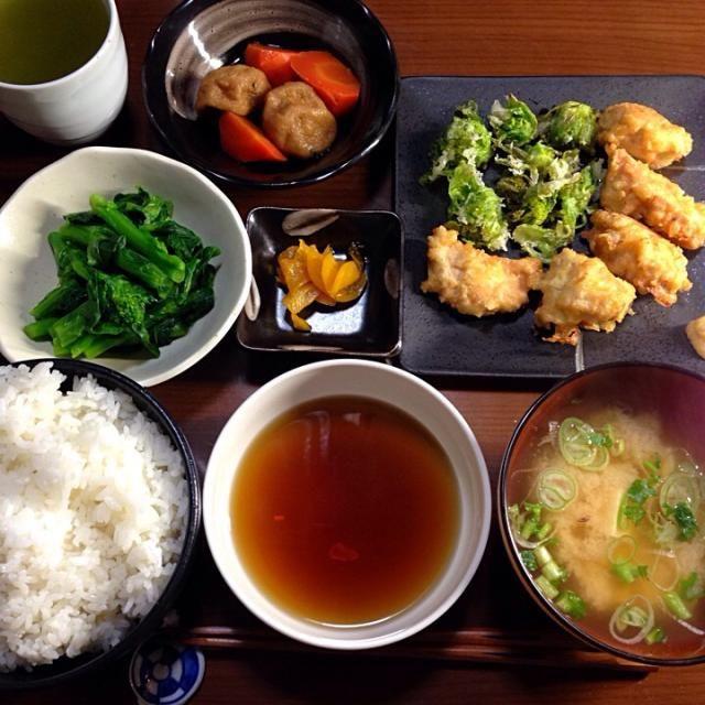 こんばんは。  鳥天、ふきのとうの天ぷら、菜の花のおひたし、がんもどきの煮物、味噌汁、漬け物、ご飯。  春の訪れを感じます。 - 14件のもぐもぐ - 晩ご飯 by ten.g