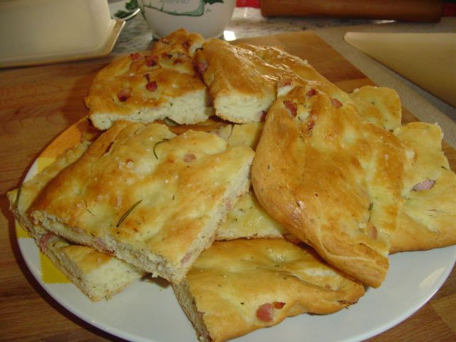 Focaccia rosmarino e pancetta