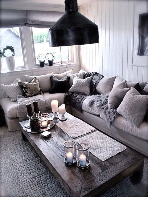Love the colors and coziness.