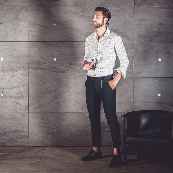#SS17 | #miami, part of the #story.  #distretto12 #sobriaoriginalita #madeinitaly #man #model #fashionman #fashion #fashionoftheday #outfit #outfitoftheday #instafashion #swag #style #stylish #uomoviaggiatore #travellingman #bestoftheday #fun #golook #look #igdaily #instamood #moda #sea #stair #night #miami