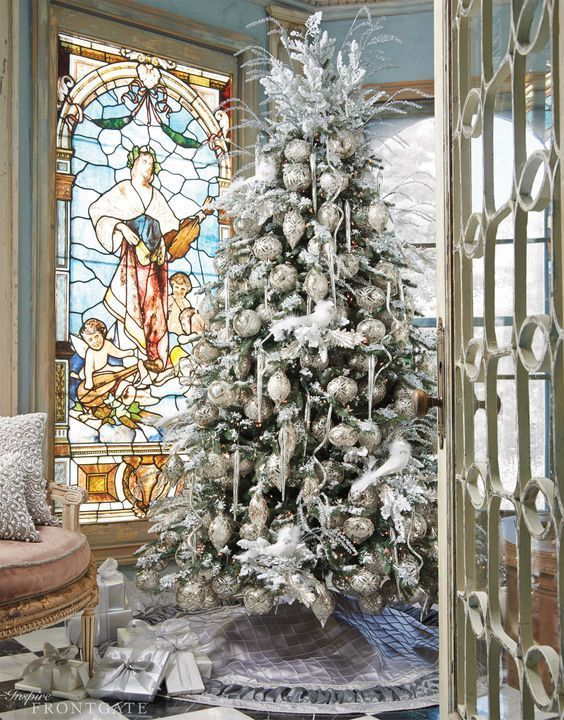37 Awesome Silver And White Christmas Tree Decorating Ideas & Inspirations - EcstasyCoffee