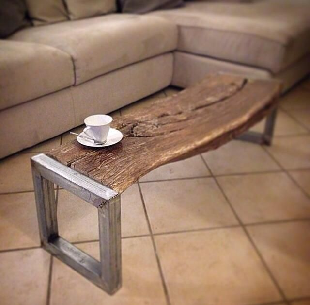 coffee table Massimiliano Testa. realizzato con materiale di riciclo.