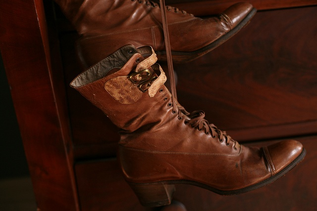lace up boots.: Vintage Boots, Victorian Boots, Lace Up Boots, Brown Colors, Granny Boots, Apples, 21 Shoes, Accessories, Boots Envy