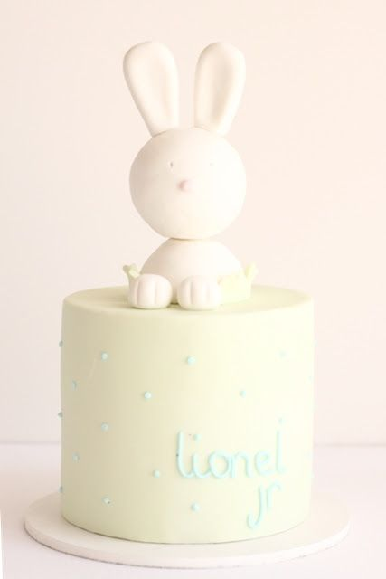 hello naomi: cute bunny baby shower cake!