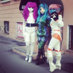 #photosession for the sake of #merchandise. #kigurumi #alien #doll #bjd #mask #spacesuit #catsuit #public #pvc
