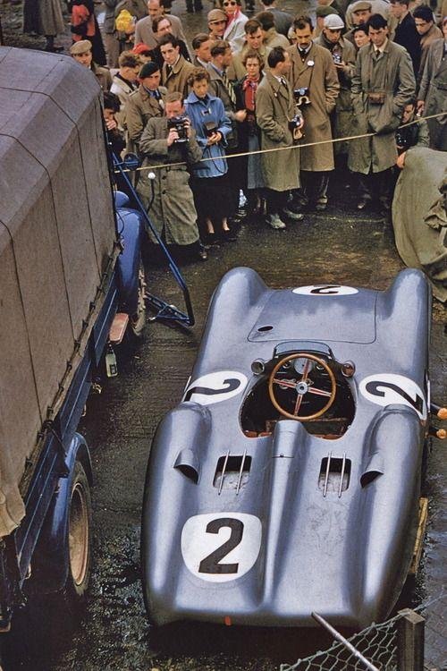 collaverglascat:  Mercedes-Benz W196S al Gran Premi de Gran Bretanya de 1954.