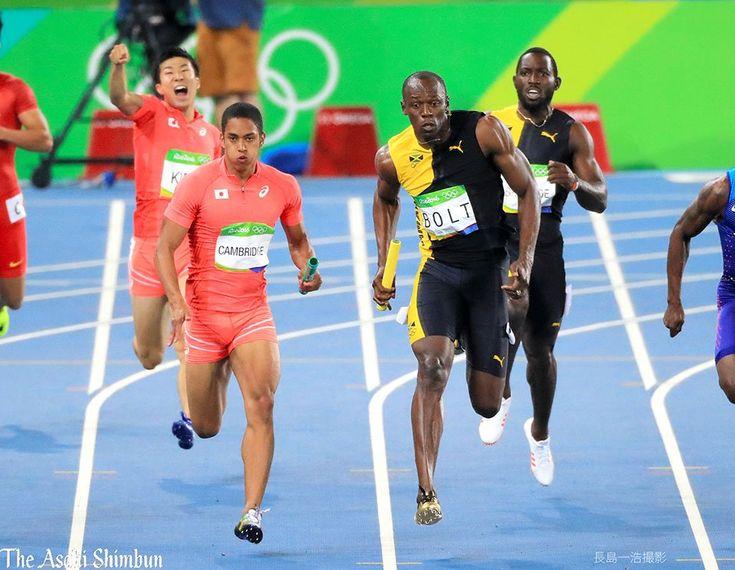 男子400メートルリレー、銀メダルの日本。第4走者ケンブリッジ飛鳥選手はボルト選手と並走しました。(達)#Rio2016 #リオ五輪 #陸上 #Silver