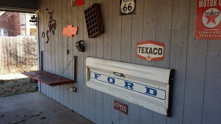 How To Make A Tailgate Wall Bench It wouldn't really take a rocket scientist to figure out how to make a tailgate wall bench, but none the less, this is cool and would make for a …