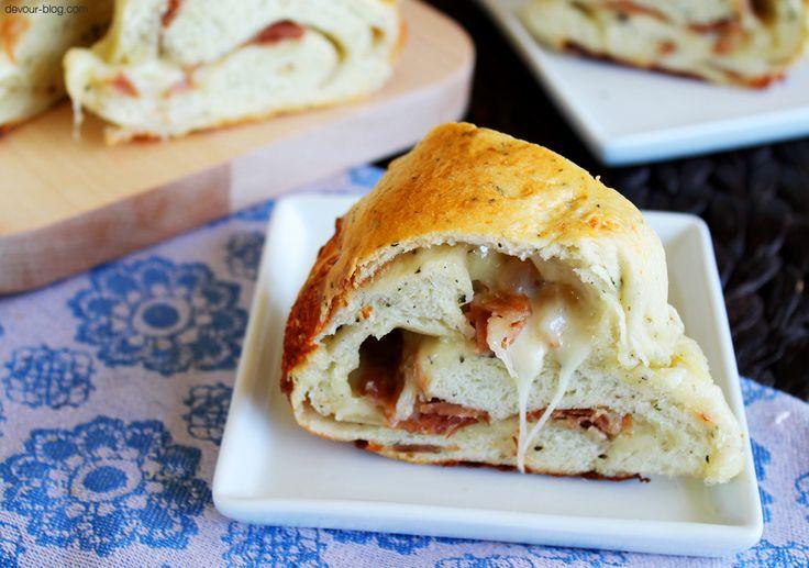 Prosciutto Cheese Bread! devour-blog.com
