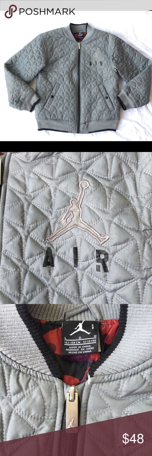 NIKE AIR JORDAN FLIGHT CLUB QUILTED JACKET KIDS NIKE AIR JORDAN FLIGHT CLUB QUILTED 3M JACKET GREY KIDS LARGE 12-13 Jordan Jackets & Coats