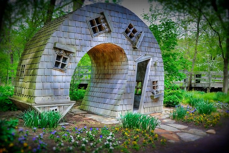 The Twisted House in the Indianapolis Arts Center in Indiana was created by John McNaughton of Evansville. It is made of cedar. Photo by Serge Melki