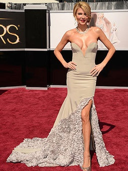 Oscars 2013: Brandi Glanville's Dress Gets the Night's First Award — for Most Bewildering