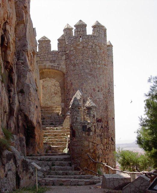 Castelos medievais..Castelo de Almansa, Albacete, Espanha