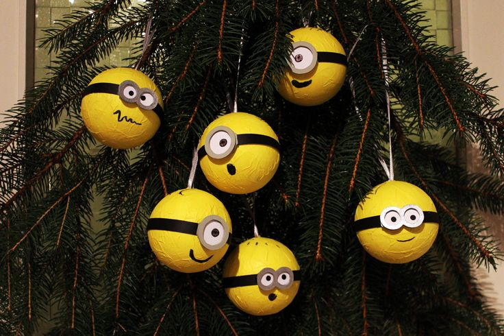 Die besten 25 minions basteln ideen auf pinterest ein minion minion kunst und basteln mit - Besondere weihnachtskugeln ...