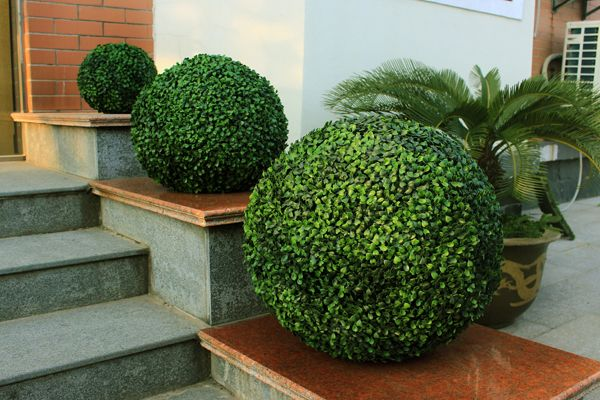 Artificial Boxwood Topiary Balls Indoor Outdoor Use In 2020 Vertical Garden Artificial Vertical Garden Artificial Hedges